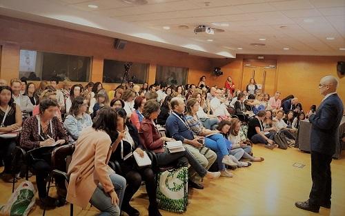 Dr. Ferrández impartiendo taller a médicos de familia
